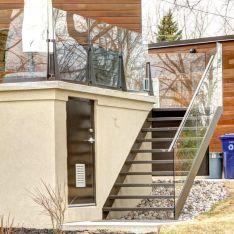 2295 - Modern aluminium stair