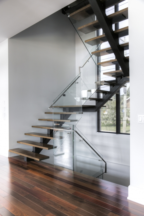 Vertebral collection central stringer stairs battig design - Escalier a limon central ...