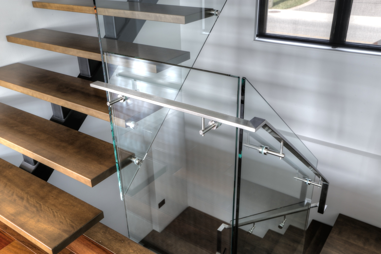 collection vert bral limon central escaliers battig design. Black Bedroom Furniture Sets. Home Design Ideas
