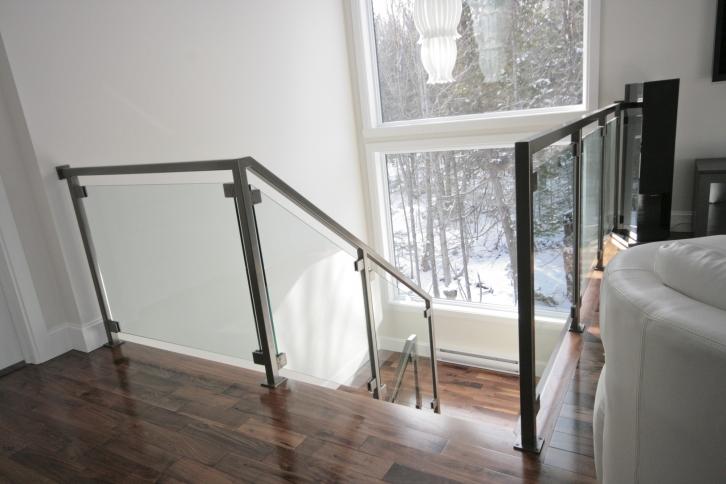 vert bral modernes escaliers battig design. Black Bedroom Furniture Sets. Home Design Ideas