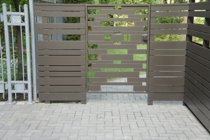 woven gates fences battig design. Black Bedroom Furniture Sets. Home Design Ideas