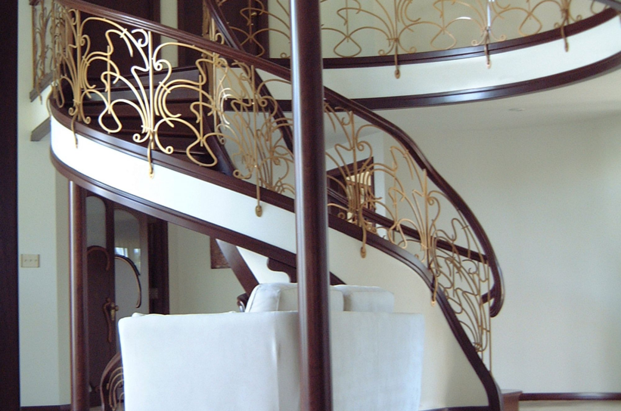 russia garde corps contemporain battig design. Black Bedroom Furniture Sets. Home Design Ideas